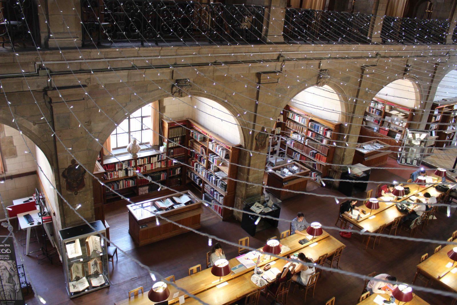 Archives municipales de Dijon salle de lecture