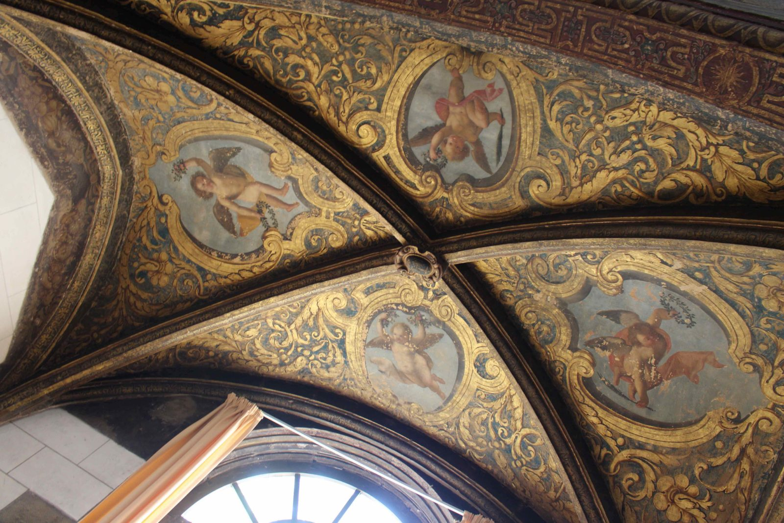 Archives municipales de Dijon plafond salle de lecture