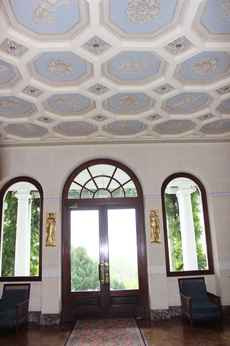 Aix-les-Bains, le Splendide plafond du salon