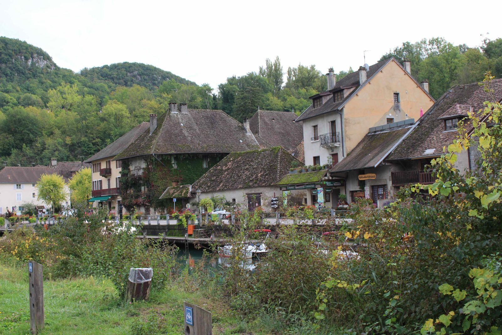 Chanaz, village le long du canal