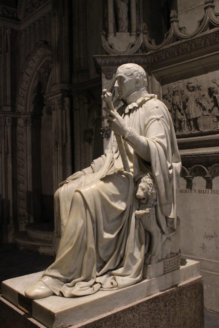 Abbaye d'Hautecombe statue Charles Felix de Savoie