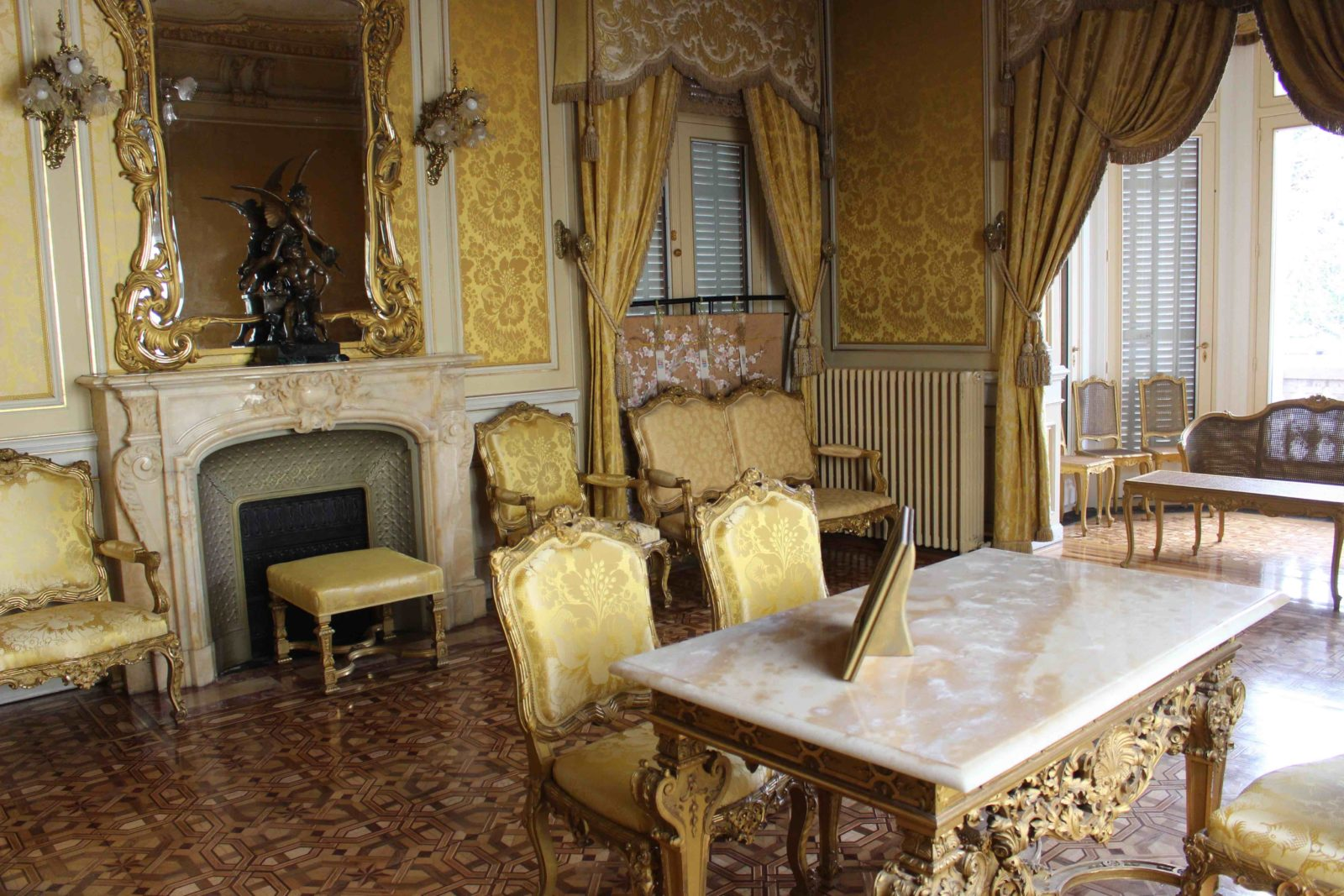 Evian Hôtel de ville la salle des mariages