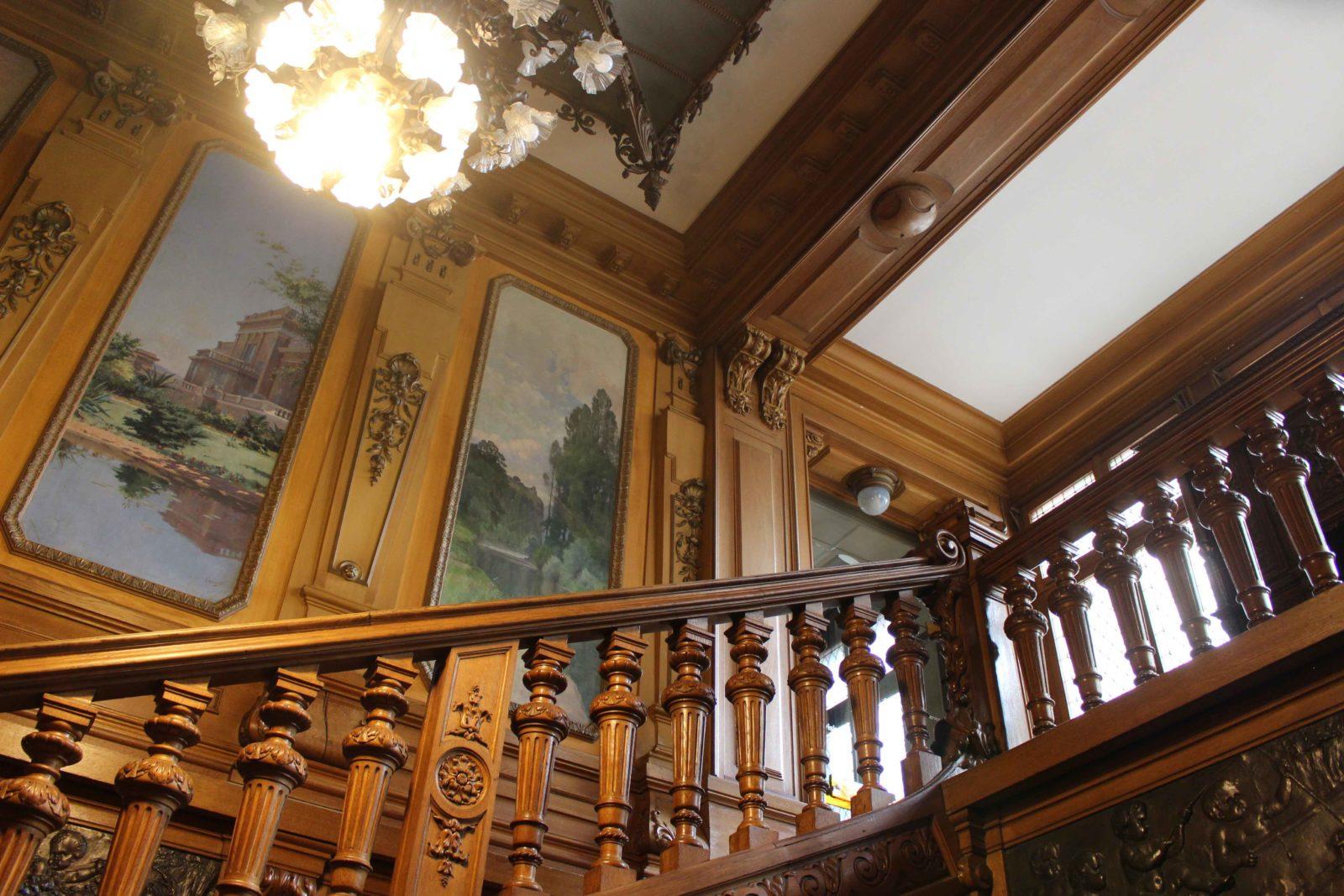 Evian Hôtel de ville escalier