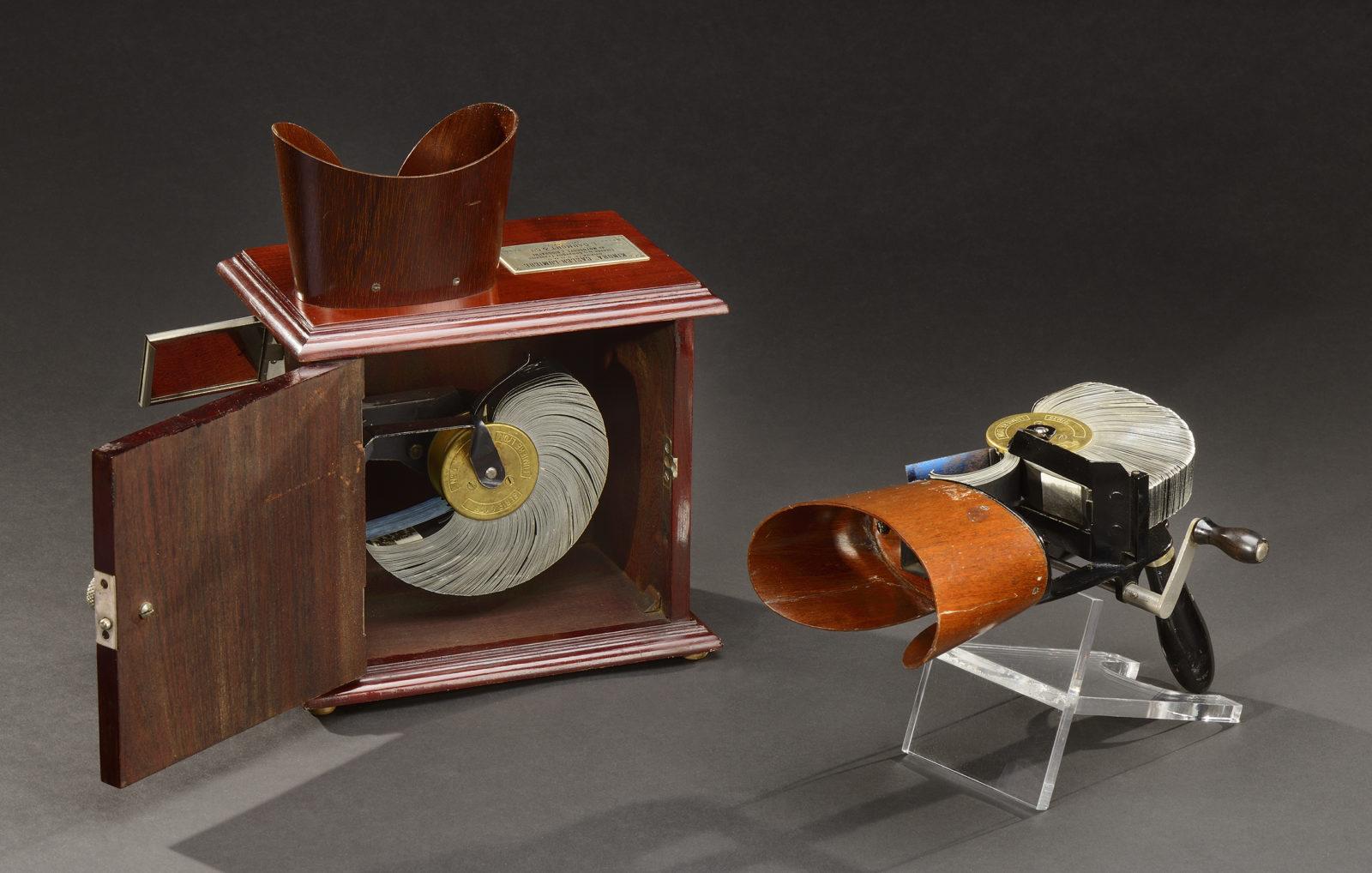 Kinora de salon 1900 et à main 1910
