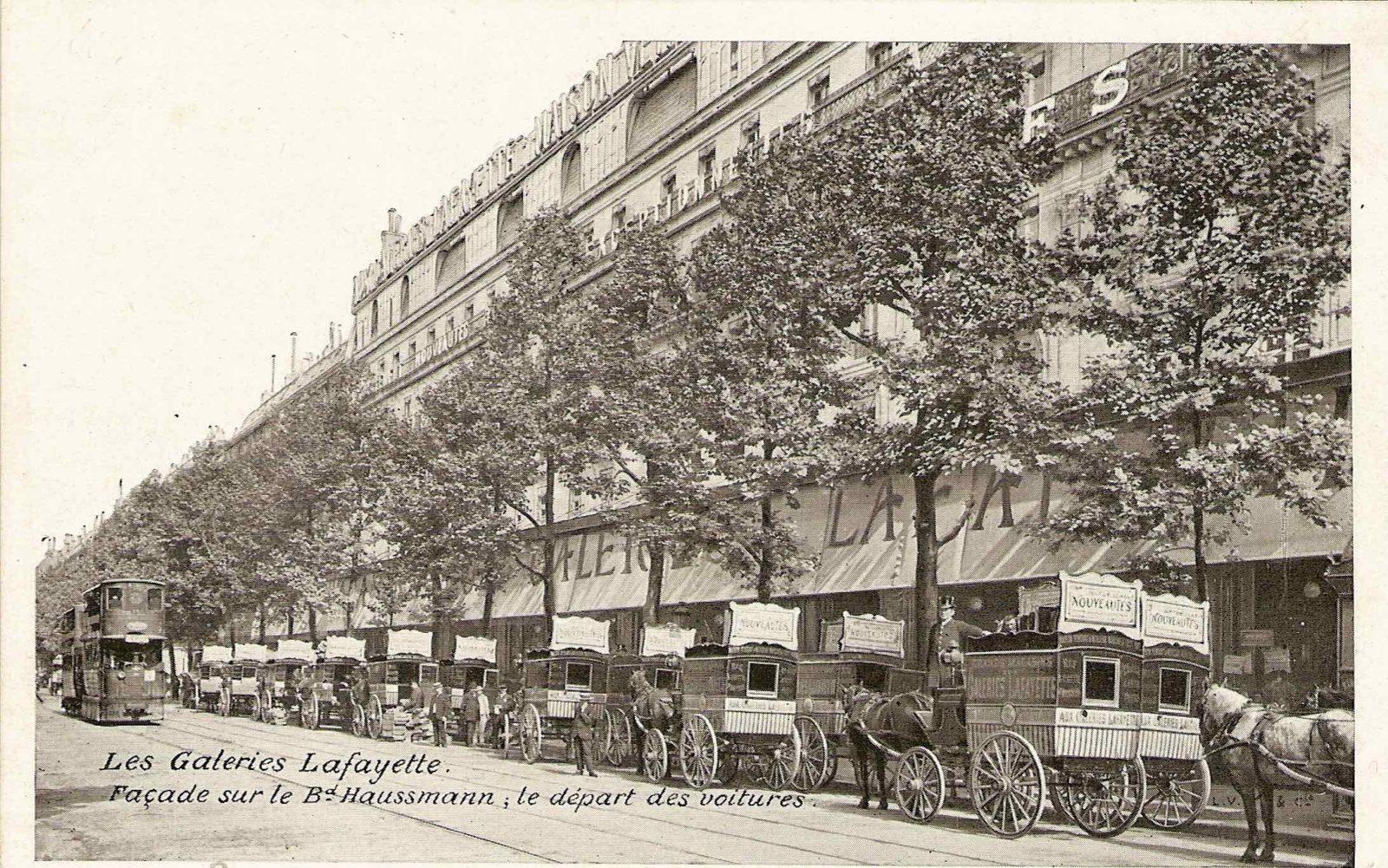 Galeries Lafayette Paris Haussmann le départ des voitures