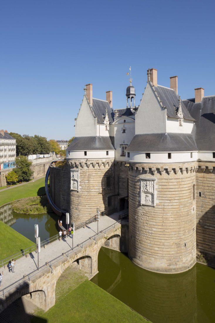 Nantes ~ le Château des Ducs de Bretagne avec toboggan