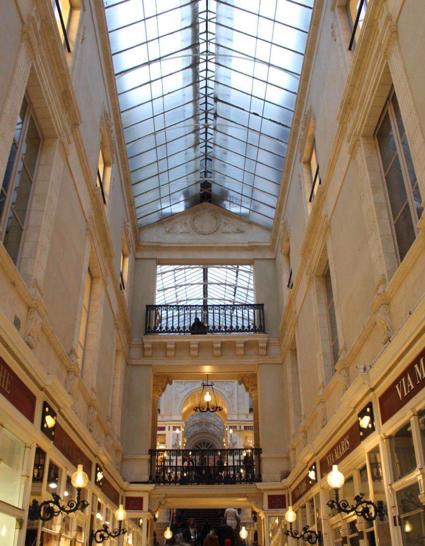 Nantes passage Pommeraye étages