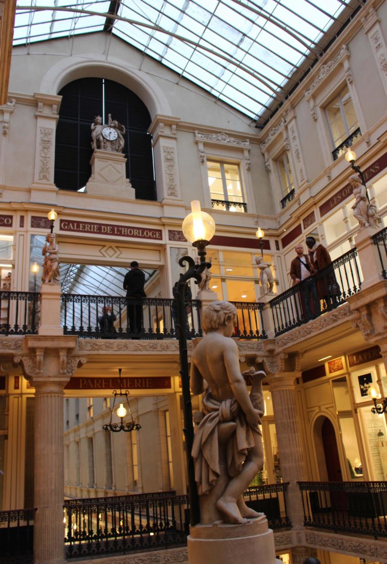 Nantes passage Pommeraye intérieur