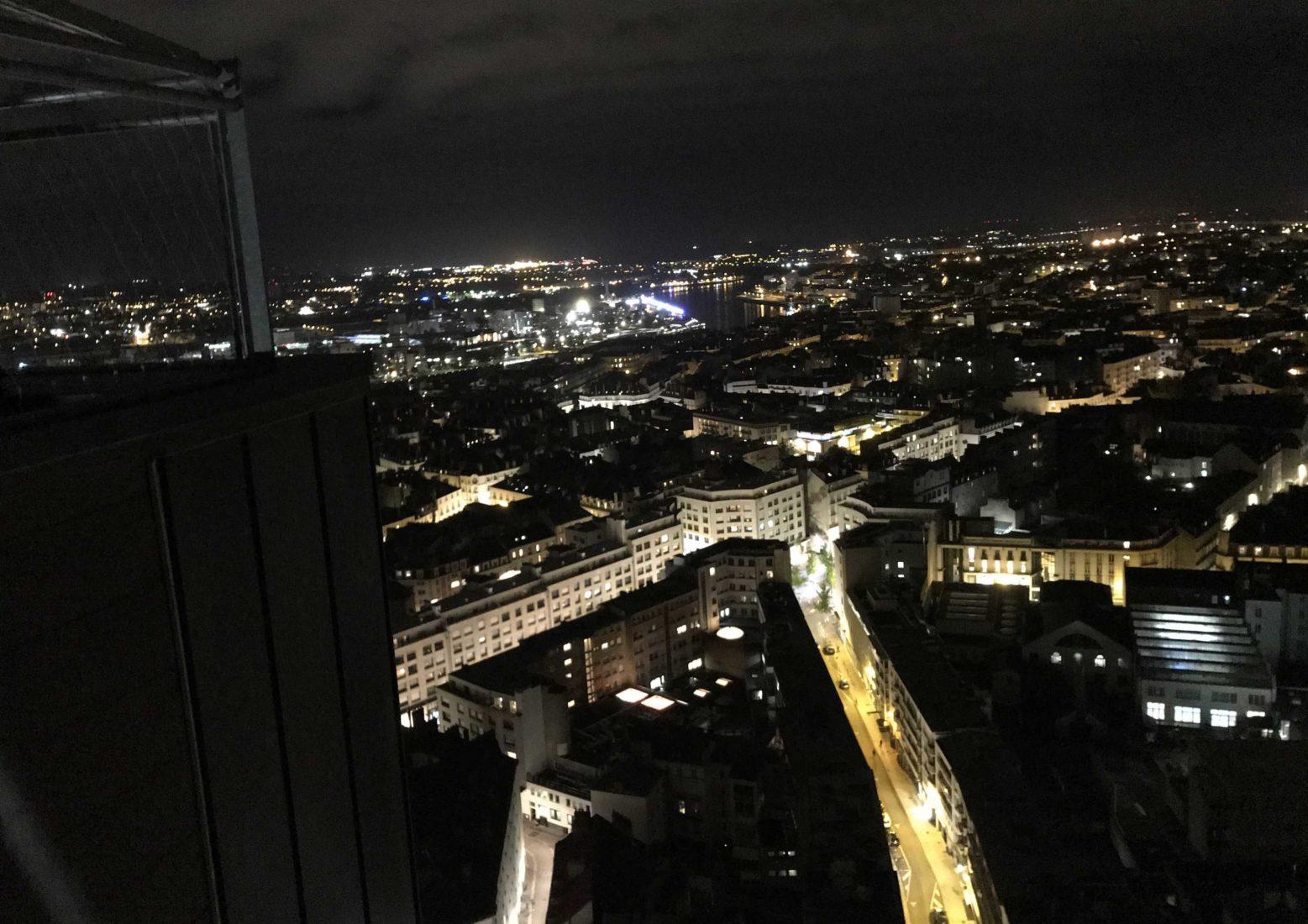 Nantes bar Le Nid vue de nuit
