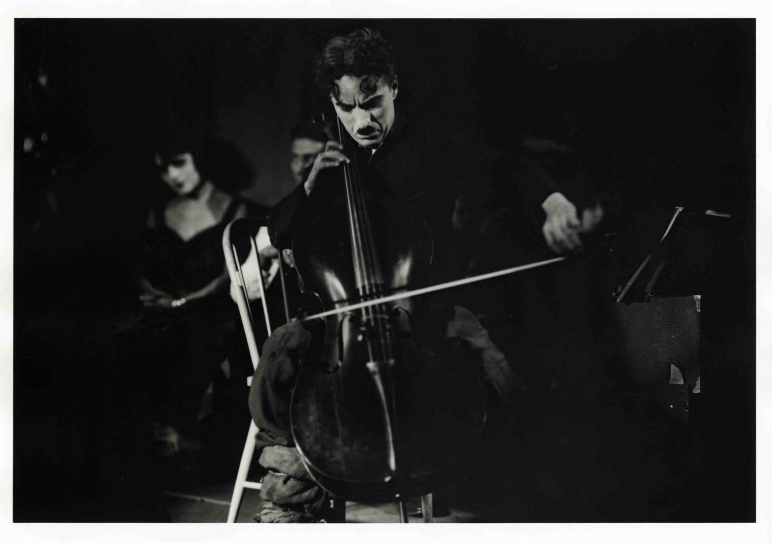 Chaplin's World2020 Music Times !Chaplin jouant du violoncelle