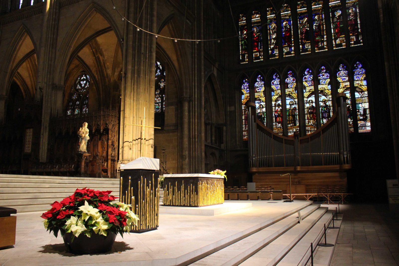 Metz cathédrale autel et orgue
