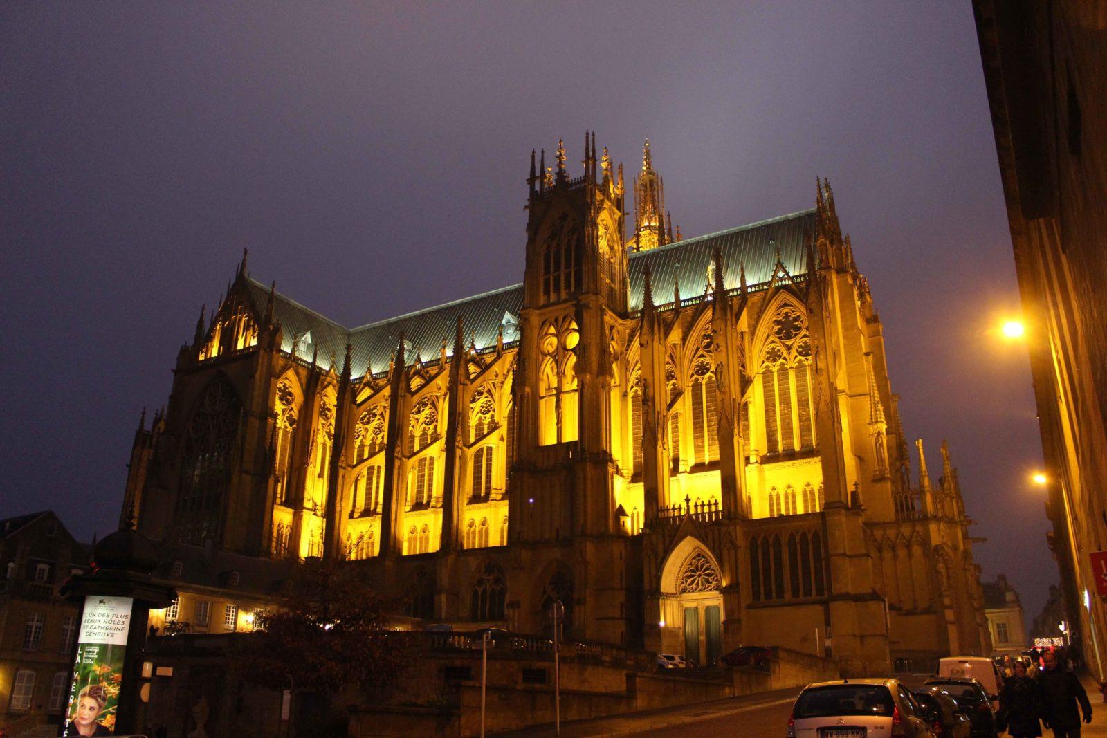 La cathédrale de Metz près Place de Chambre
