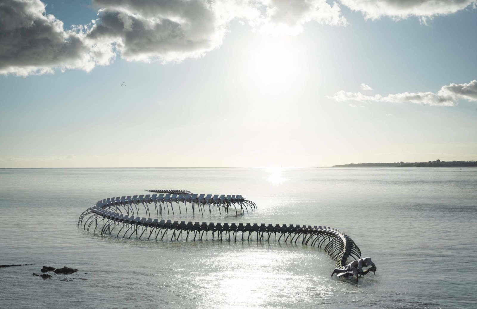 Huang Yong Ping, Serpent d'océan, Saint-Brévin-les-Pins © Franck Tomps