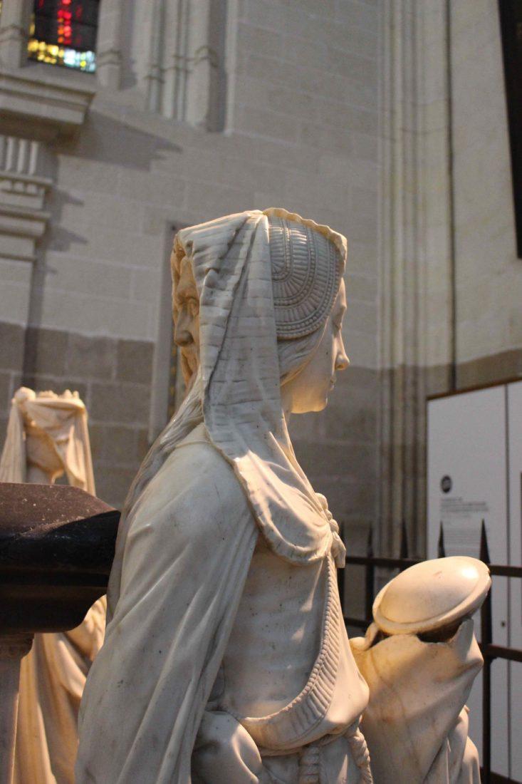 Nantes Cathédrale St Pierre-et-Saint-Paul la Prudence aux 2 visages