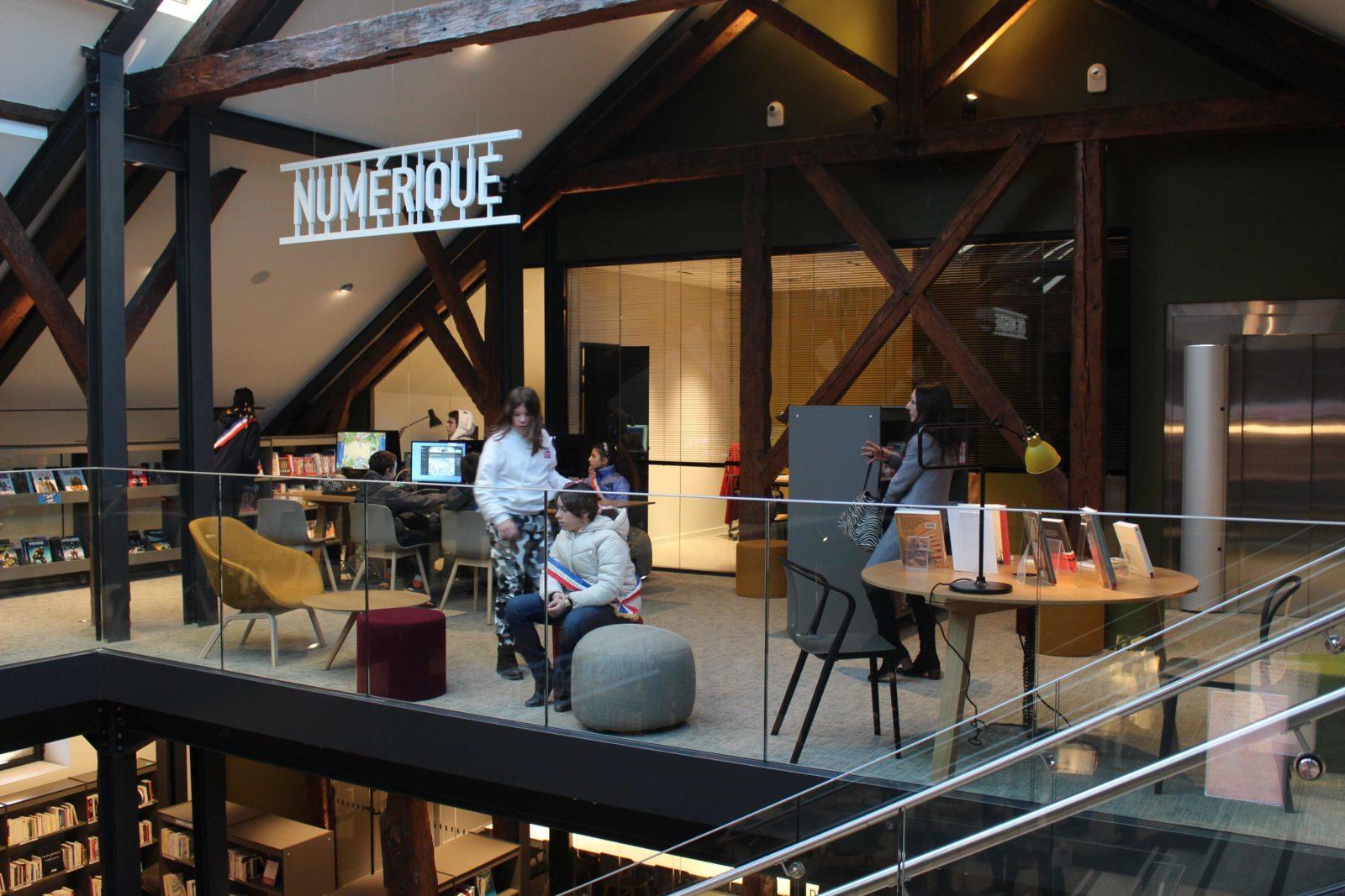 médiathèque de Ferney-Voltaire secteur numérique