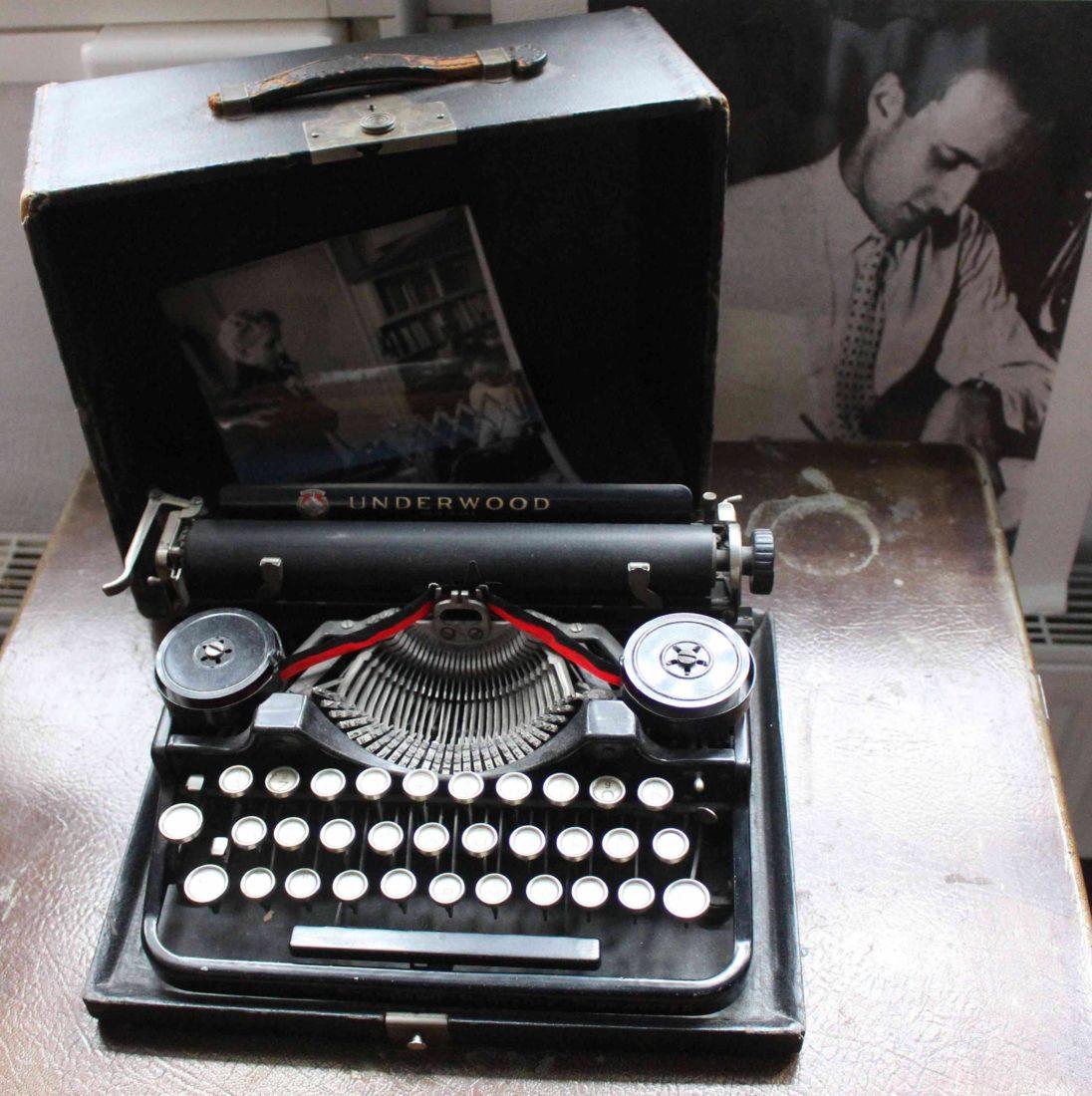 Cité Véron Paris la machine à écrire de Boris Vian