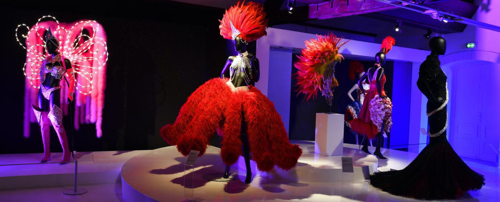 Costumes du Moulin Rouge musée dentelles Caudray - © Pascal Auvé