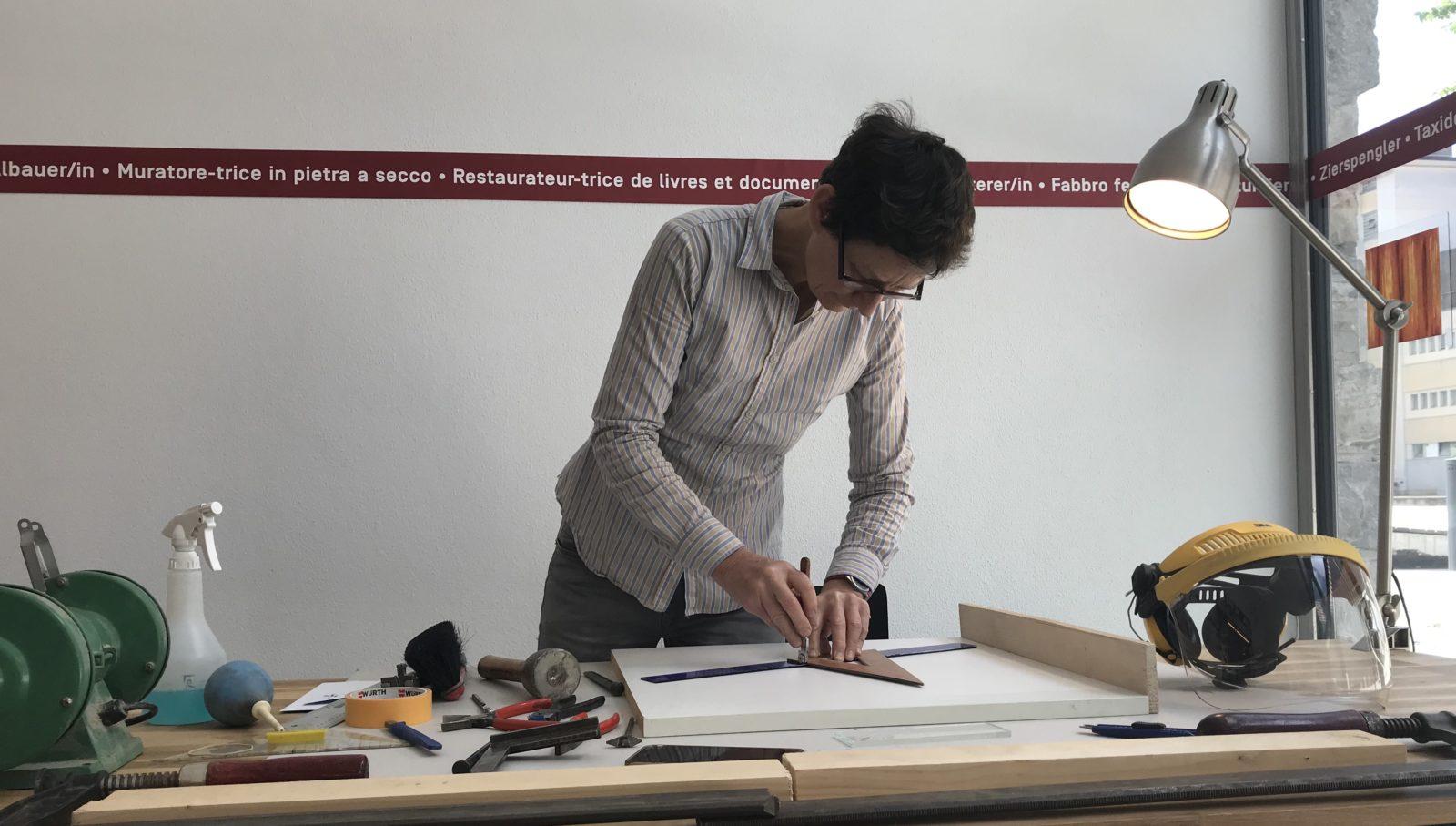 Françoise Bolli au travail