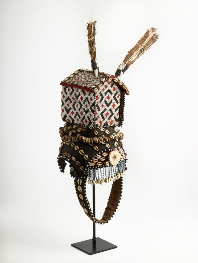 Coiffe royale homme Congo Musée des Confluences