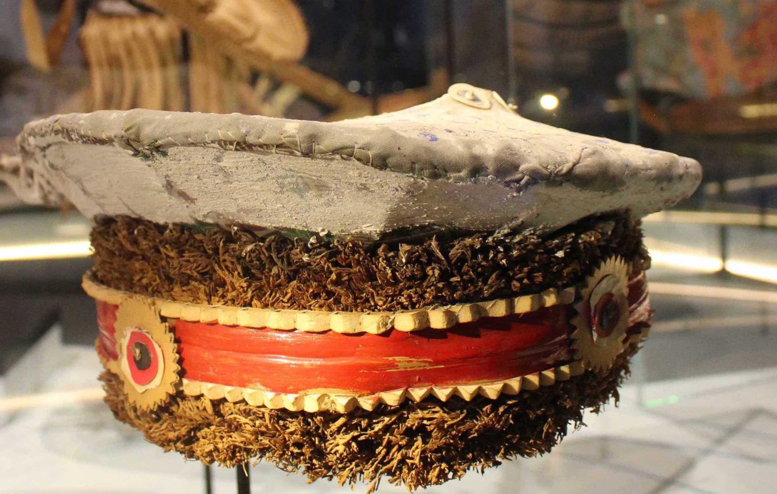 Casquette de danse Musée des Confluences