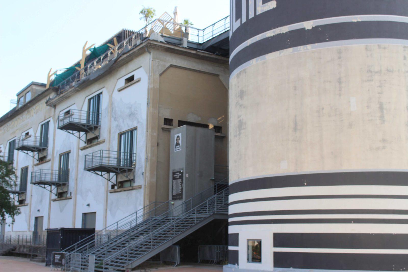 Confluences Lyon ancienne capitainerie face à la Saône