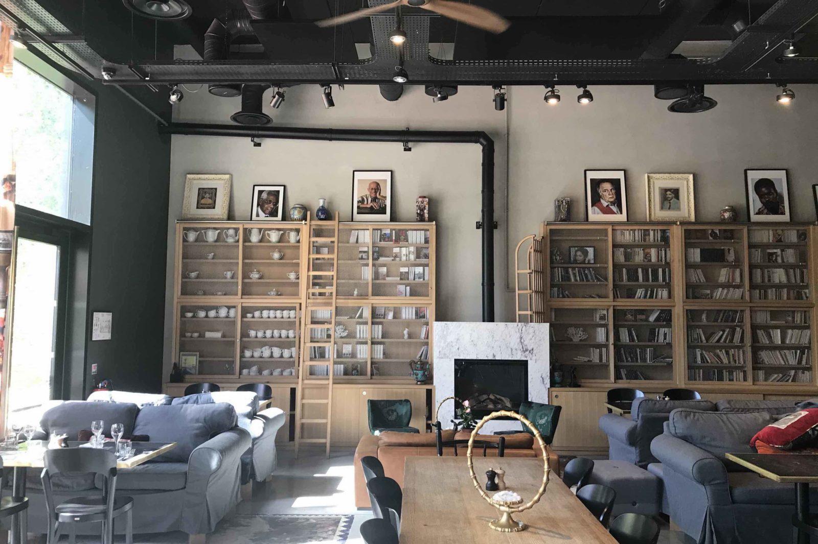 MOB Hôtel Lyon salon bibliothèque