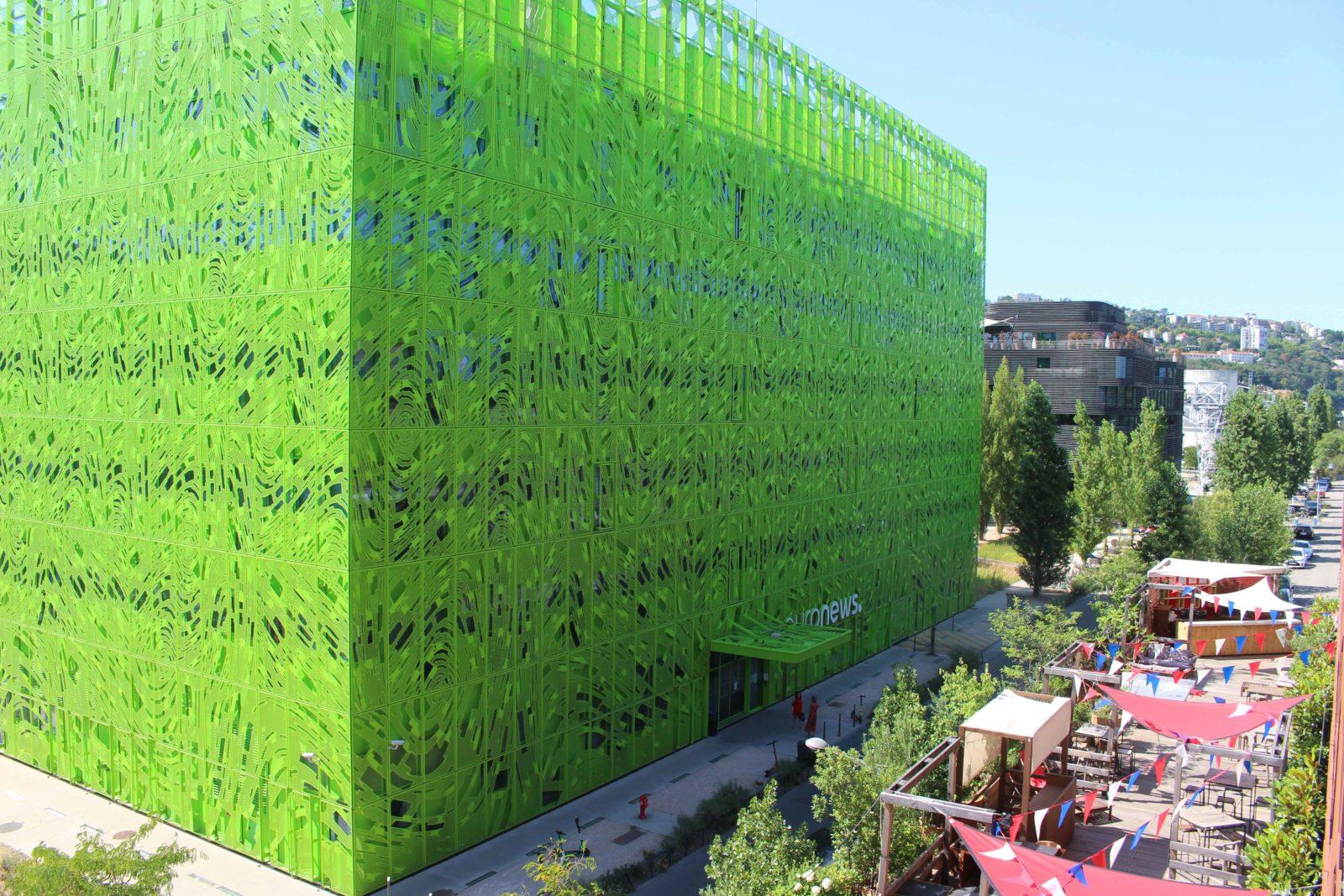 Lyon Confluence cube vert face hôtel MOB
