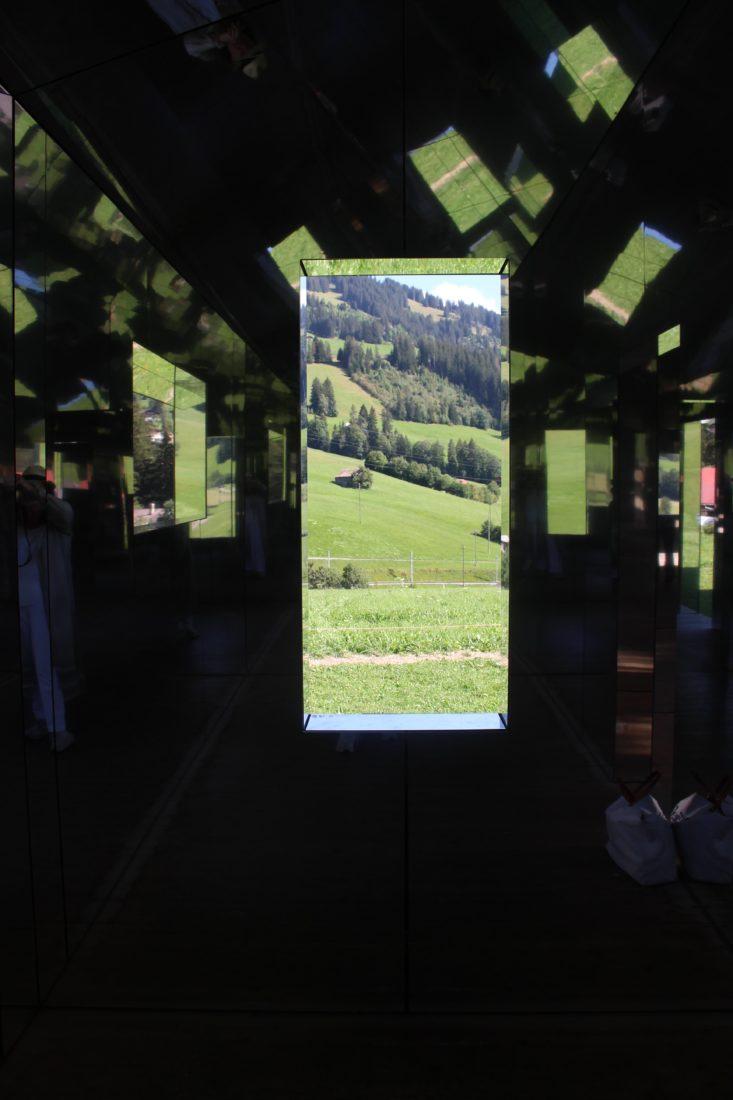 Mirage Gstaad Intérieur central kadéidoscope