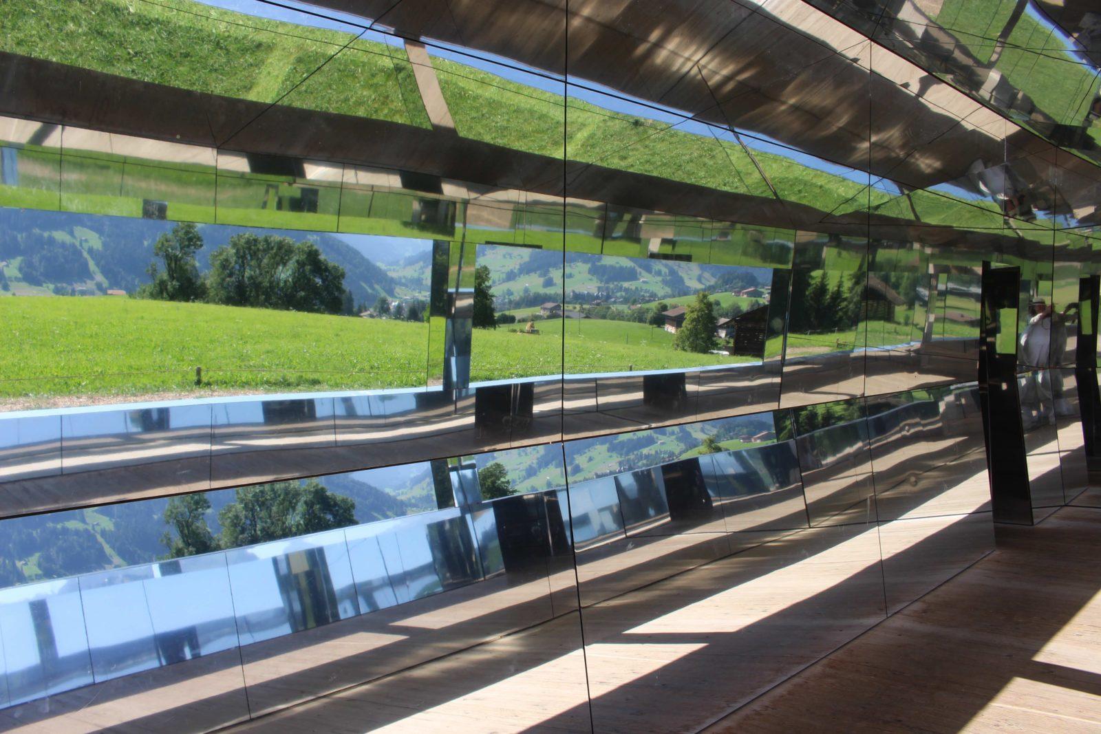 Mirage Gstaad Intérieur vue depuis une fenêtre