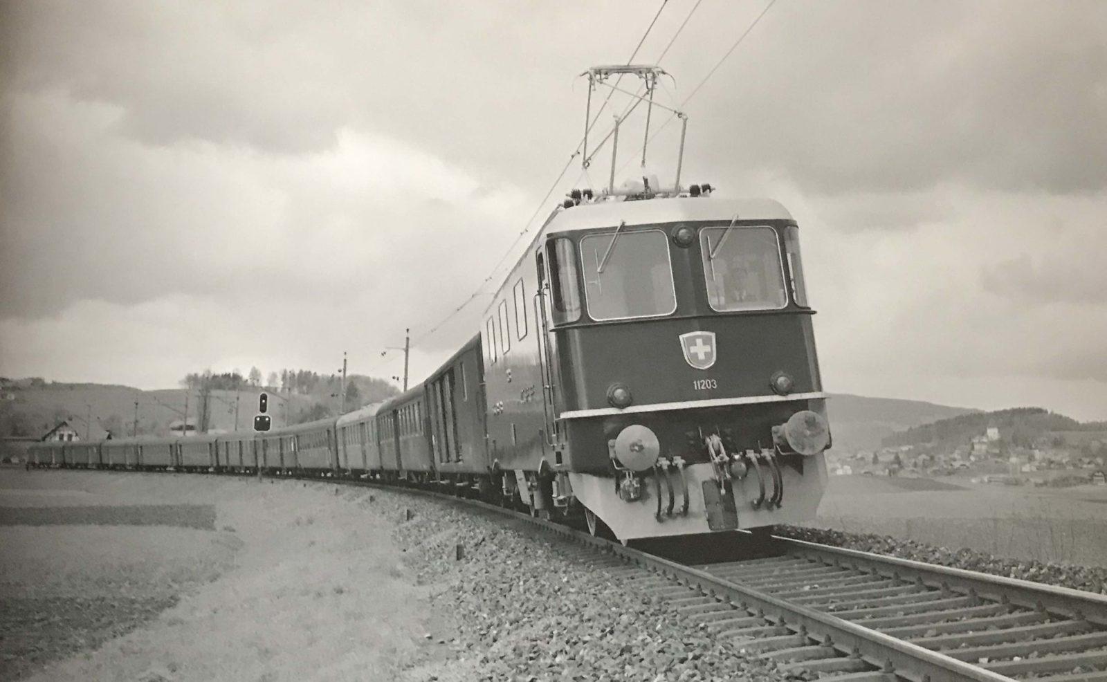 Re 4/4 Les légendaires locomotives électriques suisses