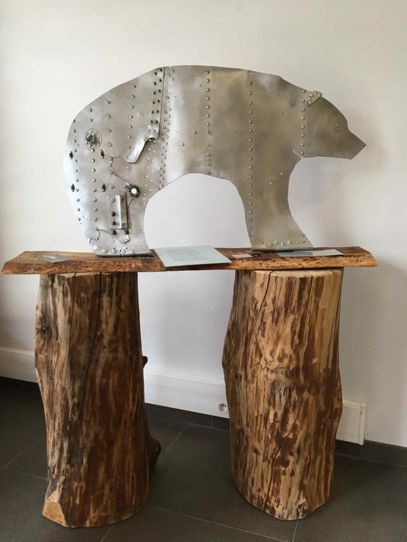 L'Ours - Sculpture de Josée de Vérité  L'art d'une histoire Les Houches
