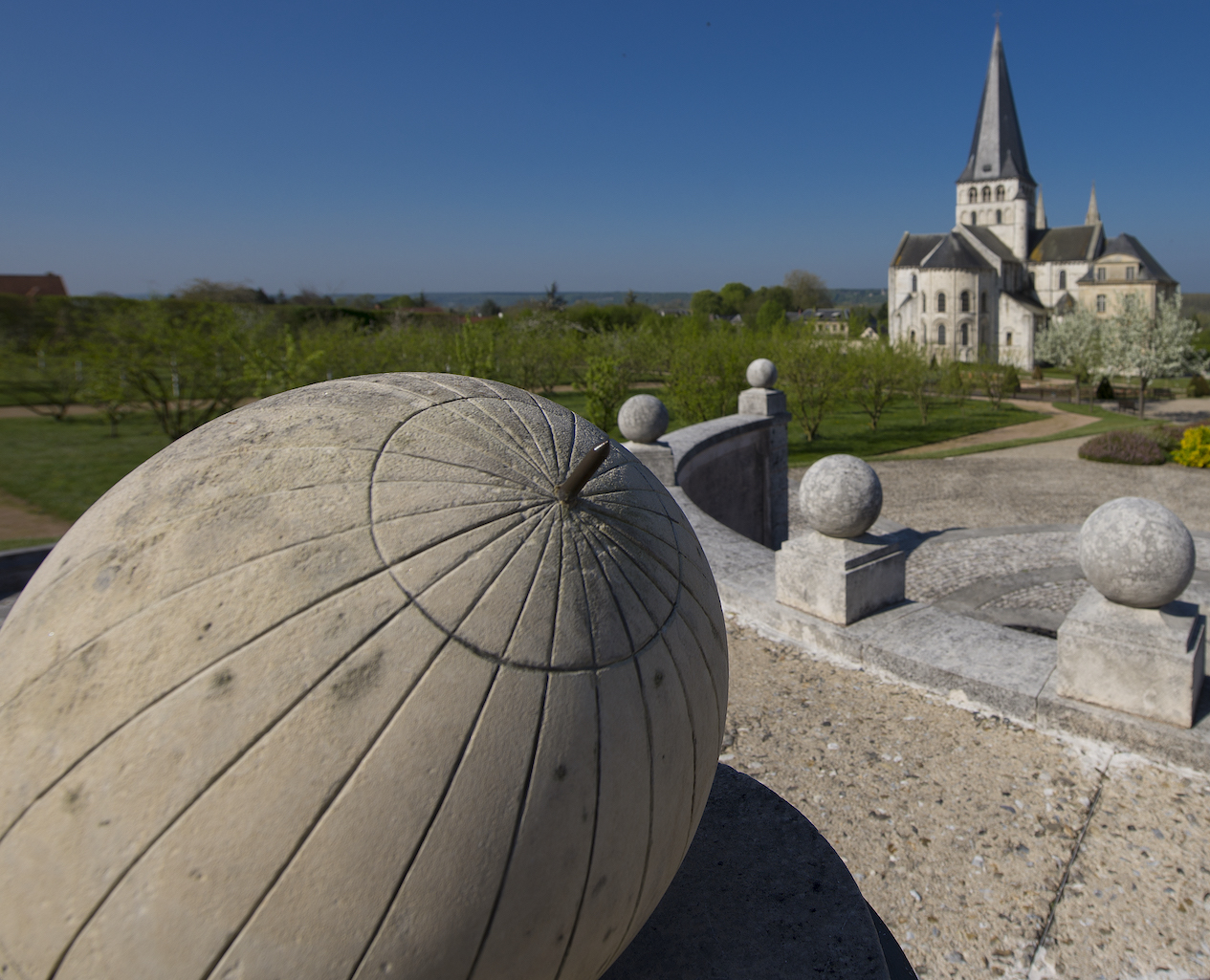 Vue de l'Abbaye St-Georges de Boscherville