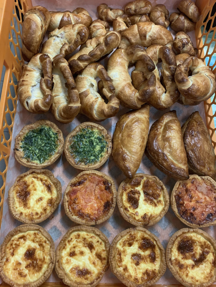 Pepe biscuitier, assortiment quiches, croissants