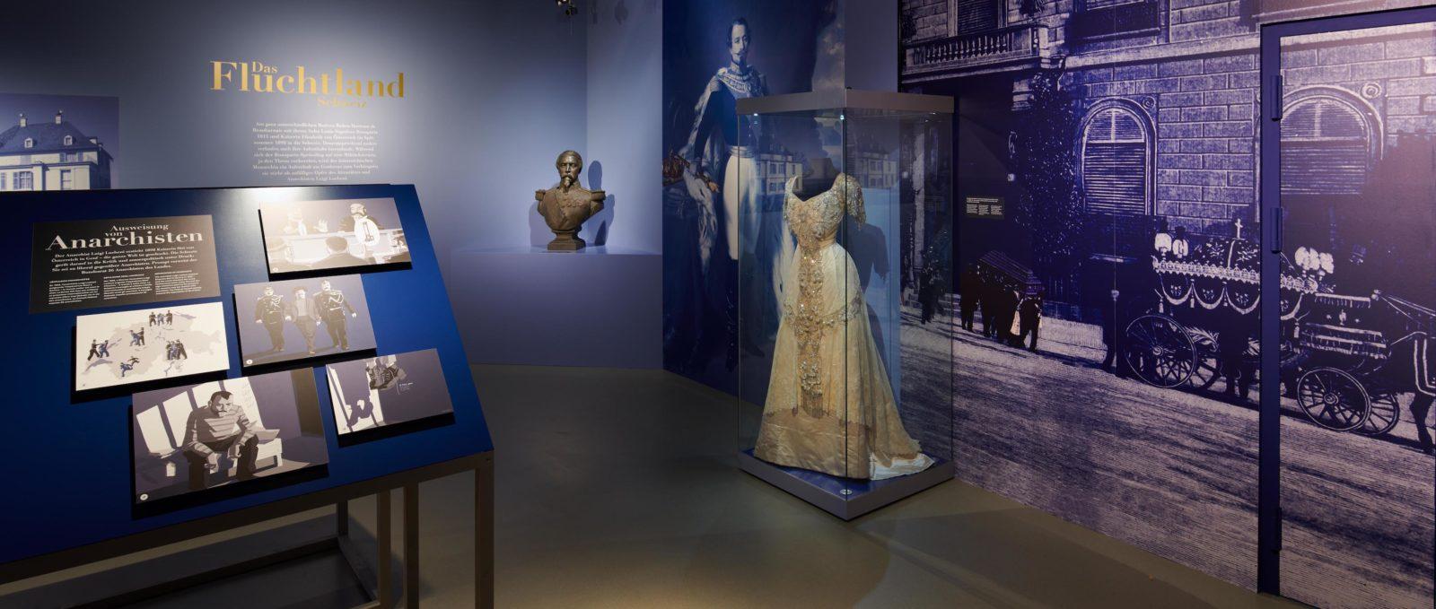 Exposition Les Royals arrivent - Schwyz - Une robe de Sissi
