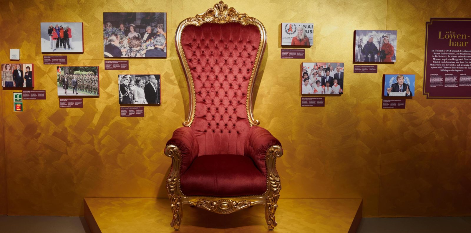 Exposition Les Royals arrivent - Schwyz - un trône royal
