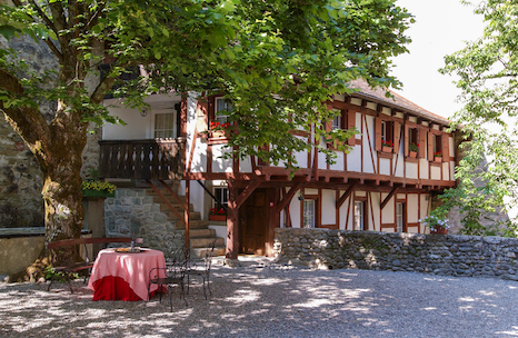 la cour intérieure du Château de Lucens VD