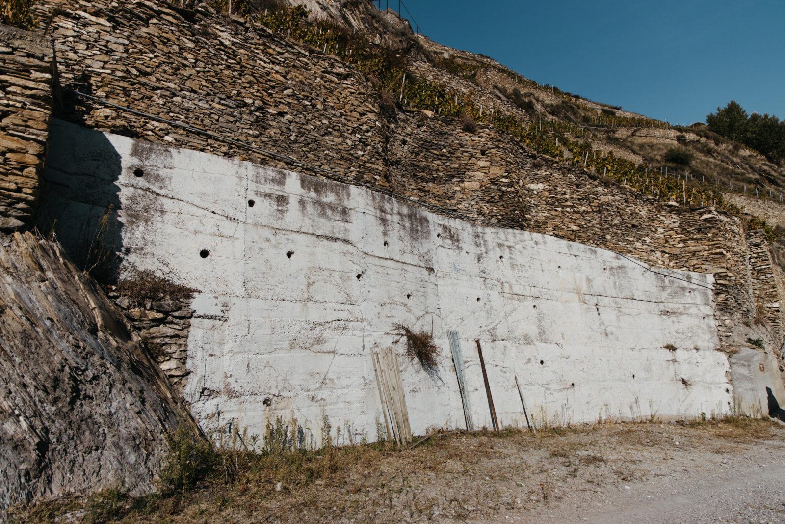 AVW Mur de pierres au Domaine du Mont d'Or Sion