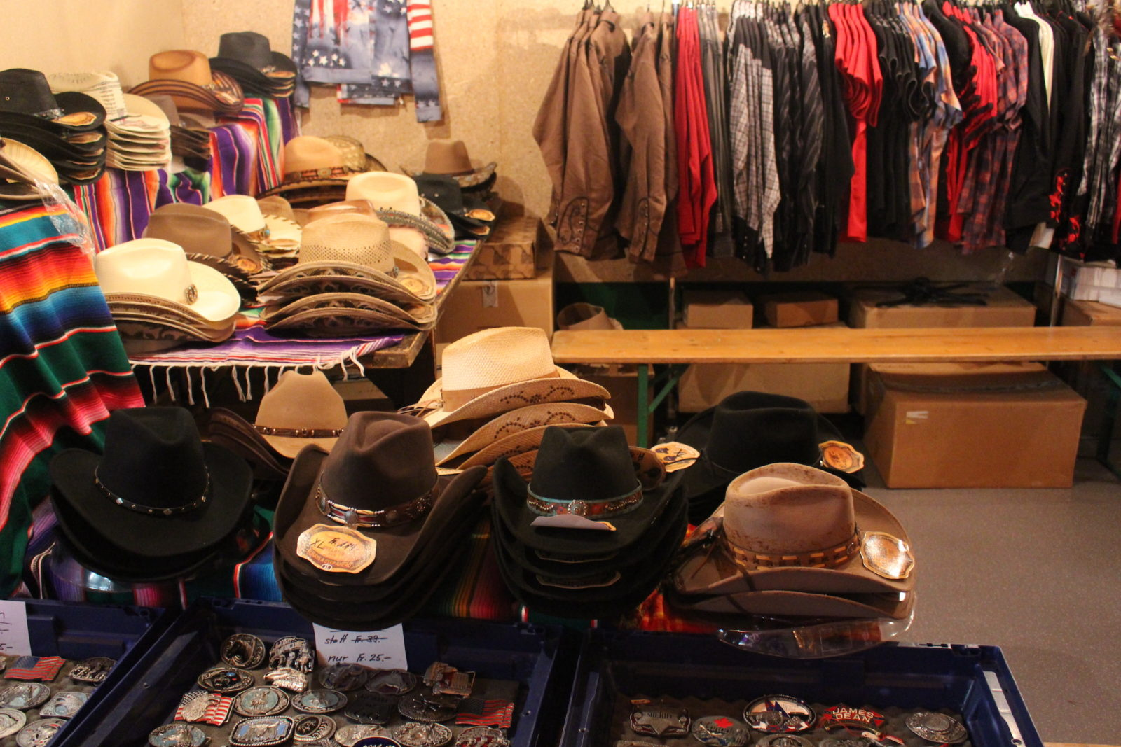 Country Night Gstaad 2021-shop chapeaux