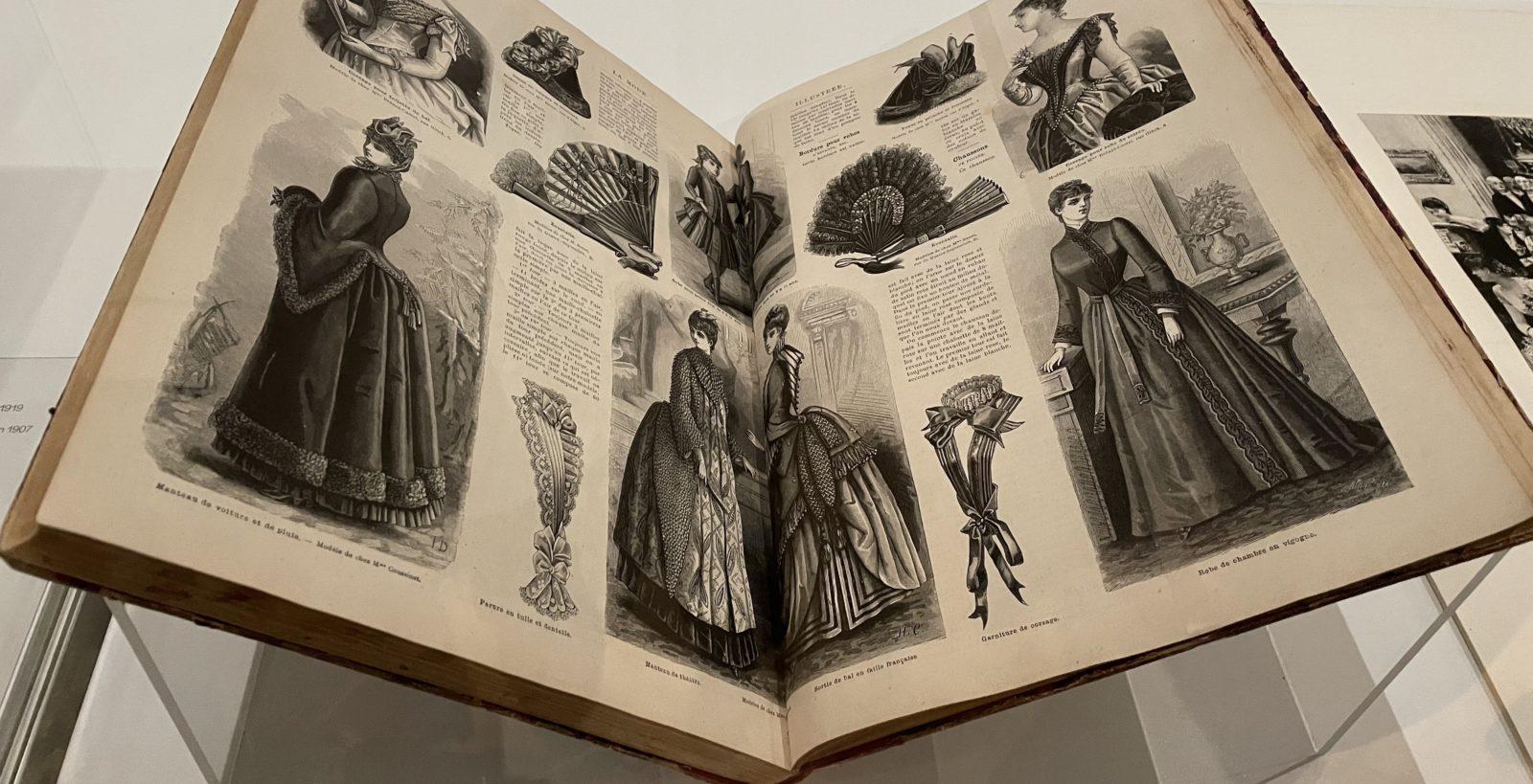 """Eventails décrits et proposés dans """"La Mode illustrée""""."""