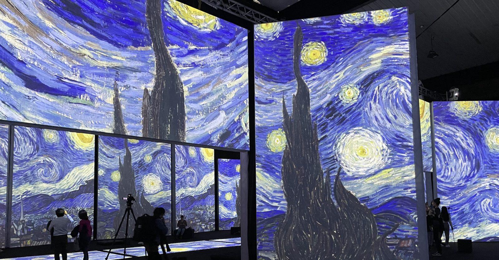 Van Gogh  Alive La nuit étoilée
